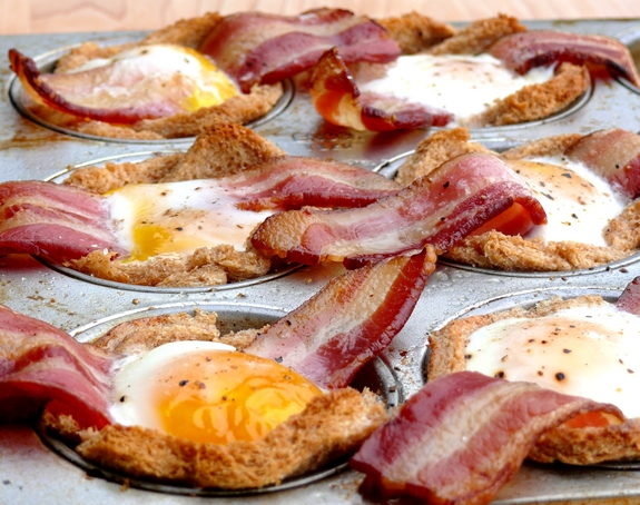 Bacon, Egg & Toast Cups