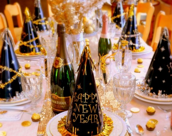 New Year\'s Eve Table Setting