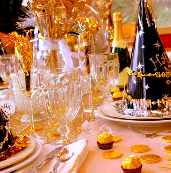 New year s eve table setting new years issues - New year dinner table setting ...