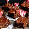 Ooey-Gooey-Brownies-for-Lovers-on-Valentines1
