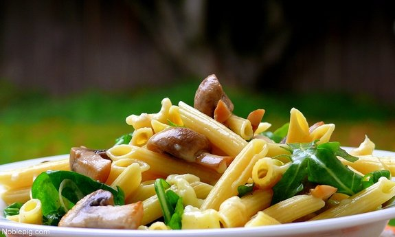 Pasta with Brie, Mushrooms and arugula