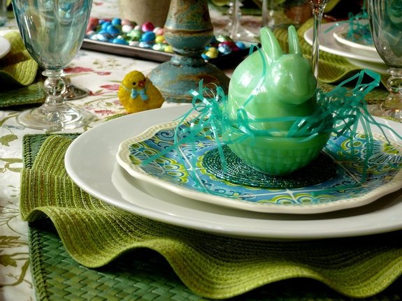 Easter Table Setting  baby chick