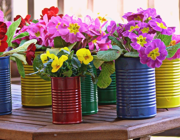 Easy diy flower pot centerpieces for Flower pot making with waste material