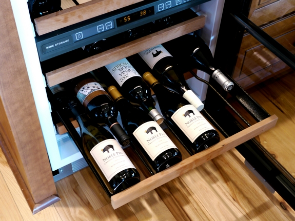 Sub Zero Undercounter Wine Storage Model 424