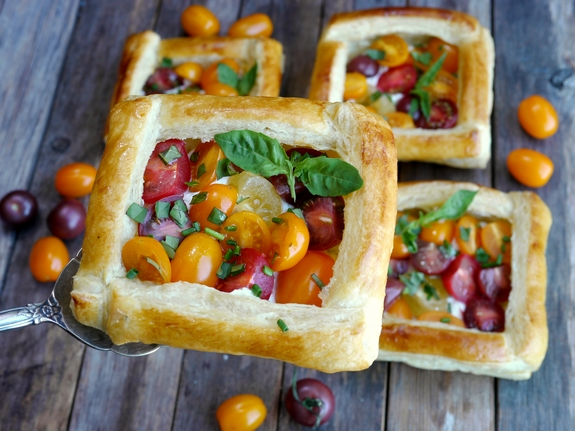 Puff Pastry Tomato Tarts | Noble Pig