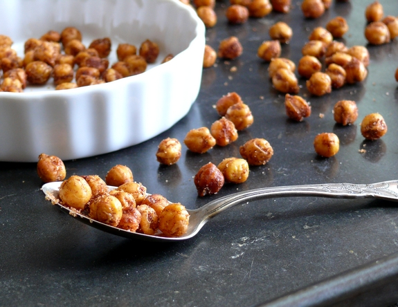 Crispy Cinnamon Chile Chickpeas a spoonful of yum