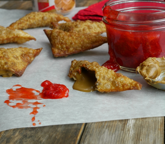 Fried Biscoff Wontons with Strawberry Dipping Sauce a decadent dessert