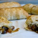 Puff-Pastry-Apple-Hatch-Hand-Pies-the-perfect-treat1