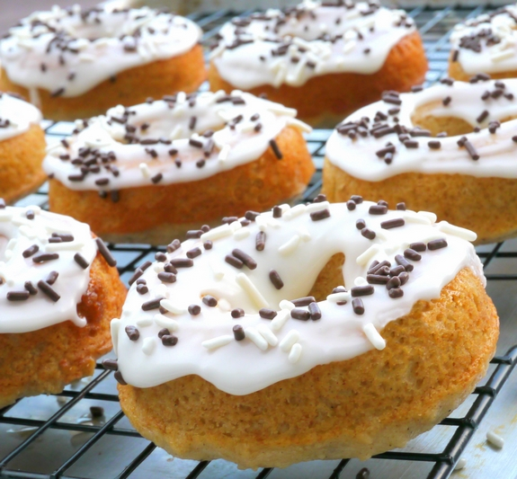 Apple Pie Spiced Doughnuts with Sour Cream Icing in love with these