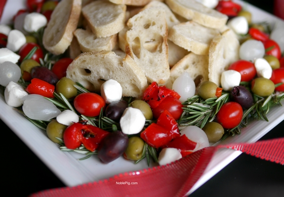 Christmas Antipasto Wreath from NoblePig