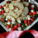 Christmas-Antipasto-Wreath-from-NoblePig