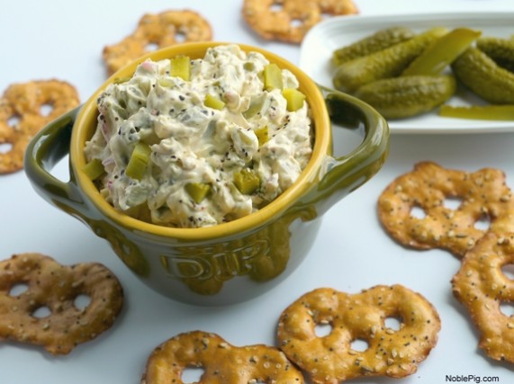 Dill-Pickle-Dip-for-all-the-Dill-Pickle-lovers