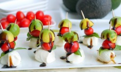 Avocado-Caprese-Bites-the-perfect-afternoon-snack