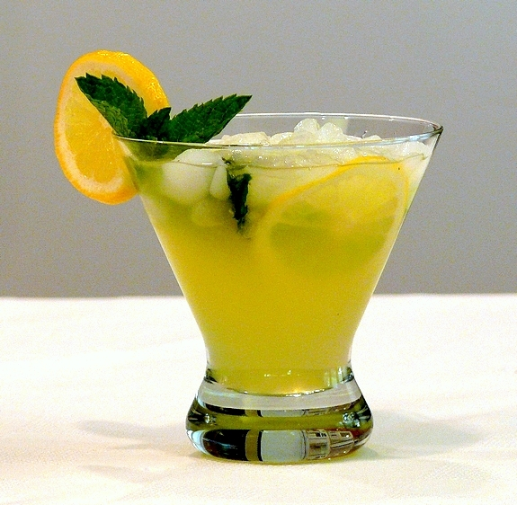 Limoncello Lemonade 2