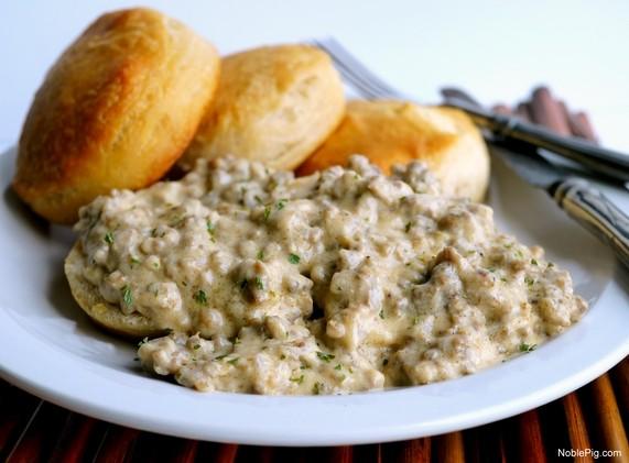 The-Best-5-Ingredient-Sausage-Gravy-your-breakfast-just-got-better