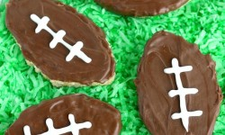Football-Inspired-Rice-Krispies-Treats-are-an-easy-and-festive-dessert-to-whip-up-for-game-day