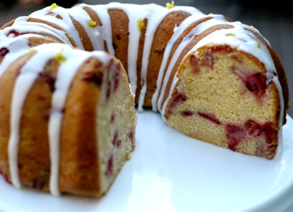 Strawberry Lemon Cream Cheese Pound Cake for the win