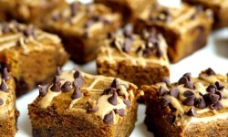 Pumpkin-Mocha-Fudge-Brownies-are-very-delicious
