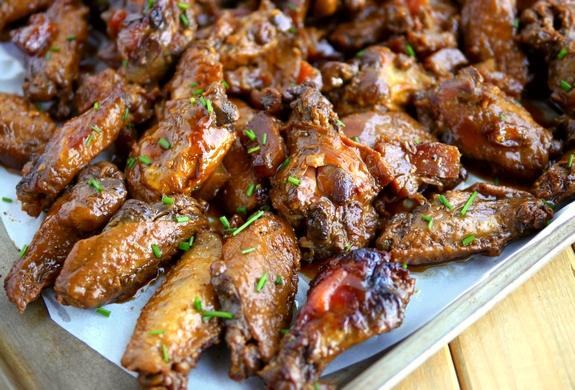 Slow Cooker Honey Pineapple Chicken Wings are going to knock your socks off