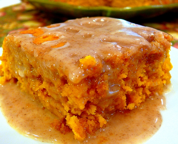 pumpkin spice cake with apple cider glaze
