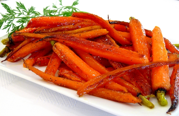 Maple Pan Roasted Carrots | Noble Pig