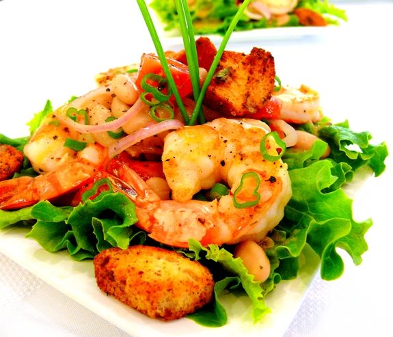 Shrimp and Cannellini Salad with Oregano-Chive Vinaigrette ...