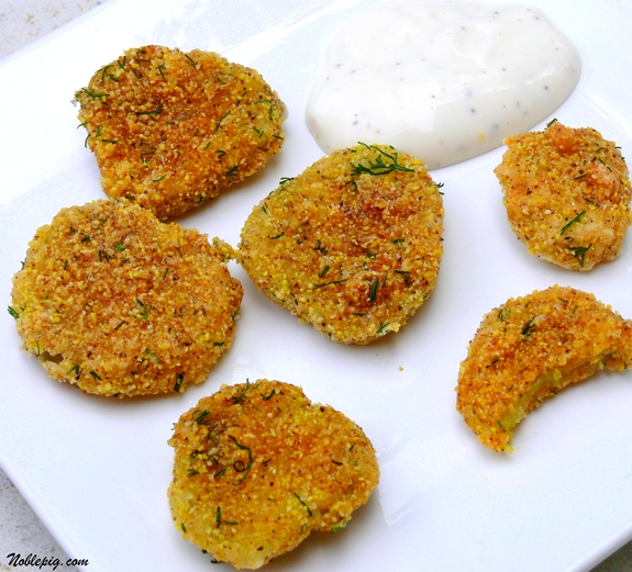 how to make fried pickles with cornmeal