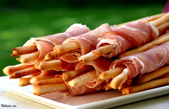 Cheesy Prosciutto-Wrapped Breadsticks | Noble Pig