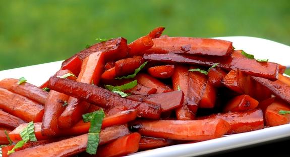 Pomegranate-Balsamic-Glazed Carrots | Noble Pig