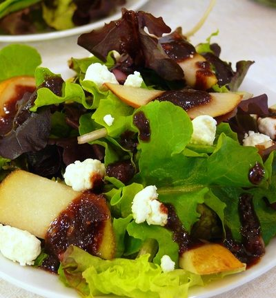 Mixed Green Salad with Pears, Goat Cheese and a Fig Vinaigrette