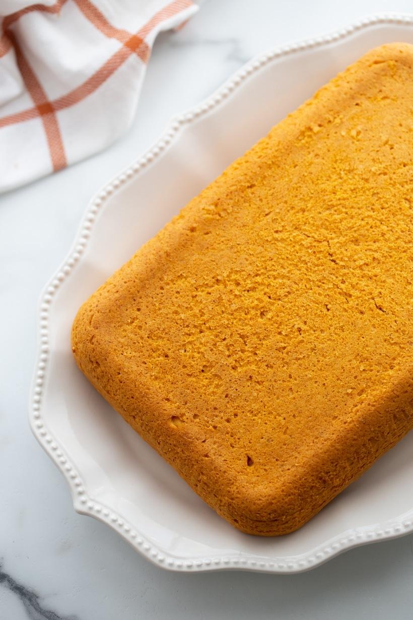Baked cake.
