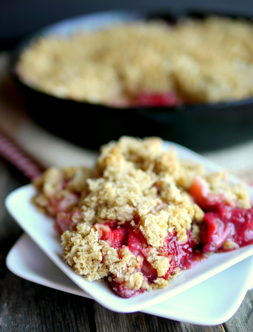An irresistible Strawberry-Banana Crumble is the perfect celebration of a comforting, summer dessert. Serve it with a scoop of vanilla ice cream and watch everyone ask for a second helping. #noblepig #crumble #strawberry #strawberrybanana