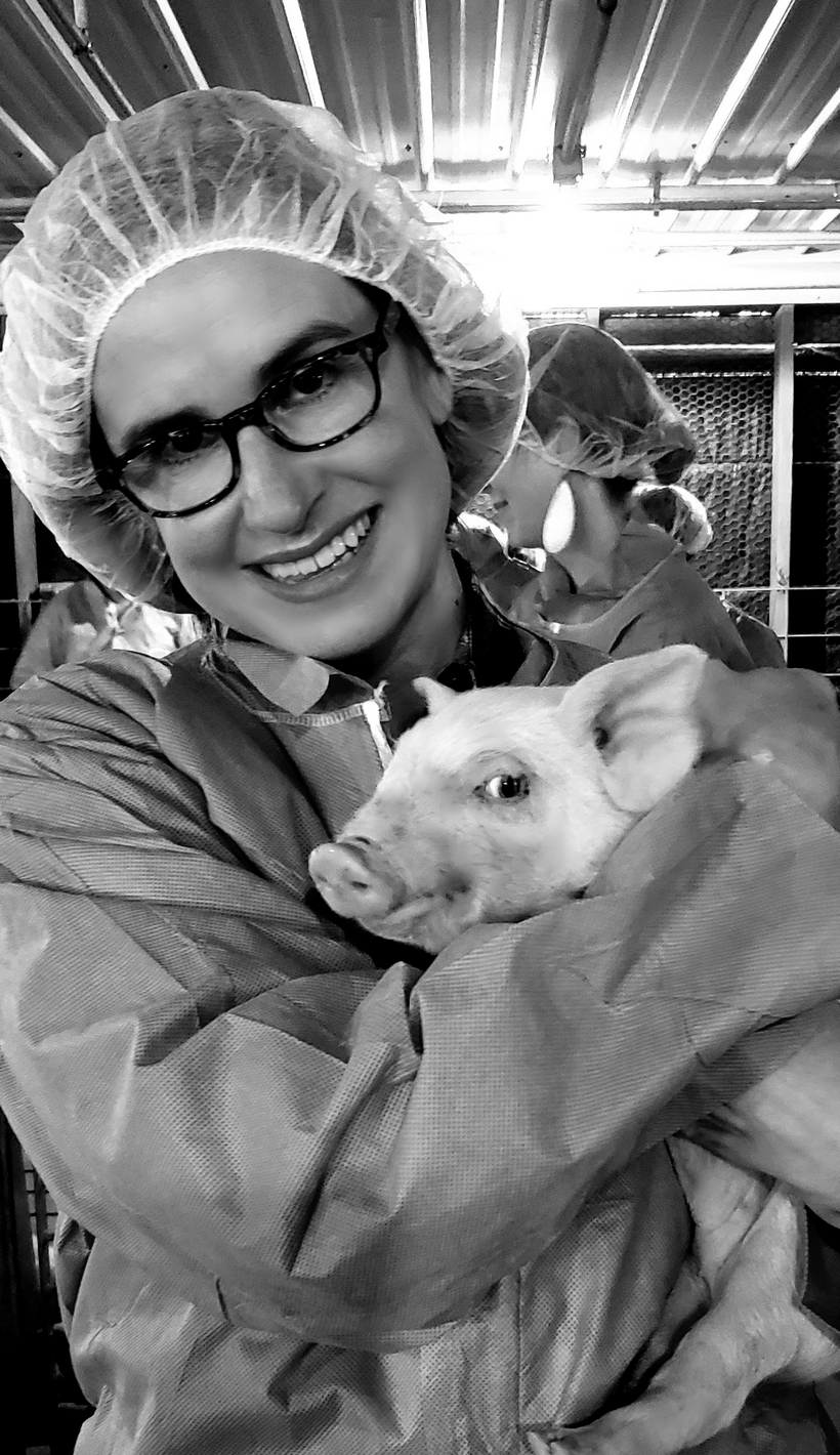 On a recent trip to East Lansing, Michigan, I continued my education with the National Pork Board on how pig producers raise and care for their animals and the food they produce. We touched on everything from food safety, swine health and animal well-being, just to name a few. #noblepig #passthepork
