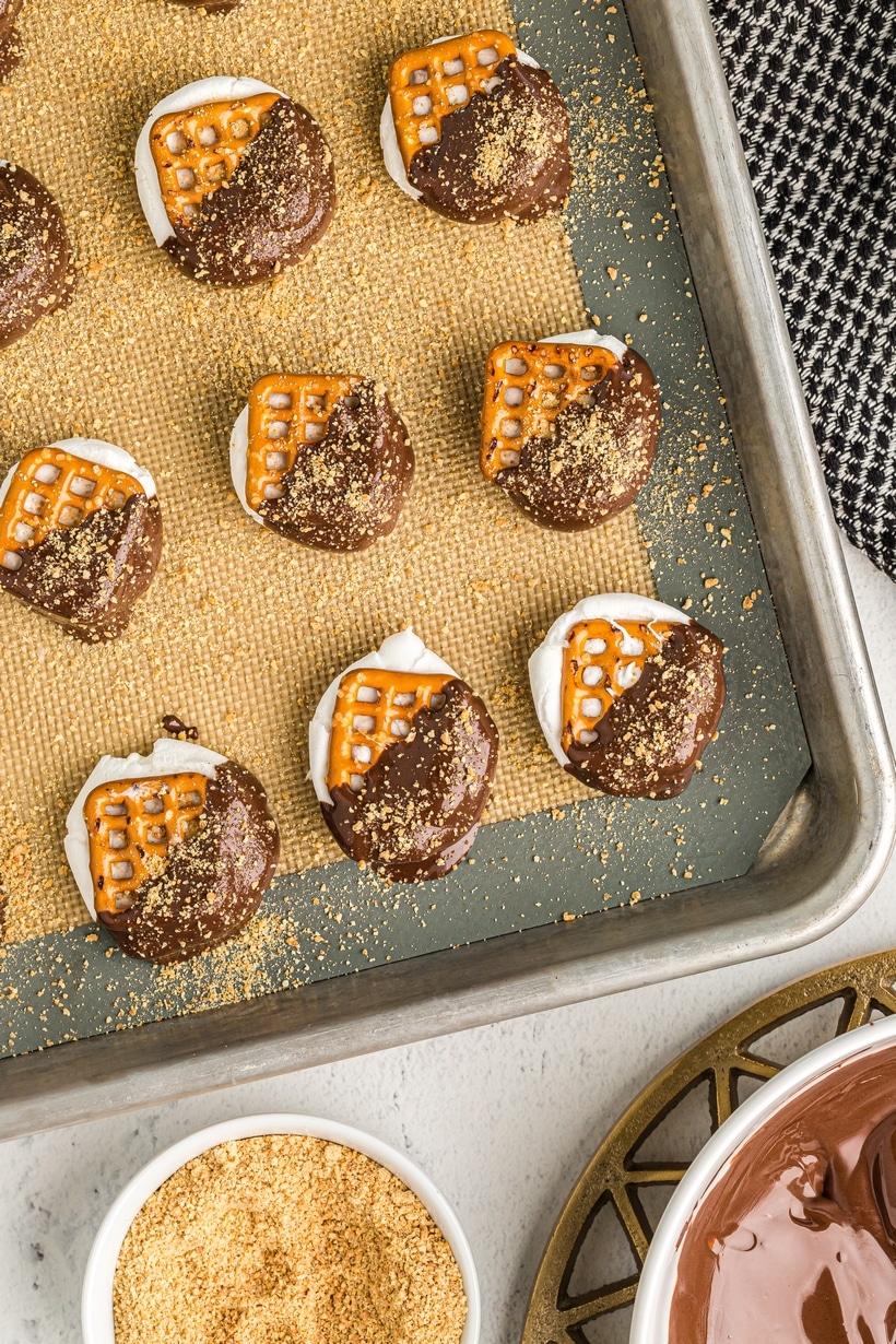 Prepared smores pretzel bites